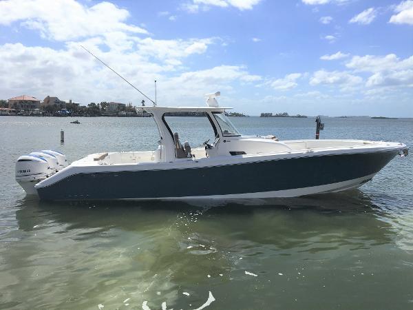 370CC Yachts